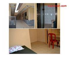 Dijual Rumah Kos-kosan 2 lt dgn 25 kamar full kamar mandi di sekitar Kampus UI
