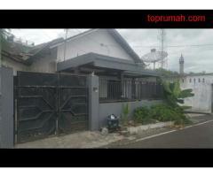 Rumah Area Kampus UNISMA Di Jalan Tata Surya Kota Malang
