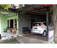 Rumah 2 unit dalam satu pekarangan Luas, cocok u home industri di Lubang Buaya, Jaktim