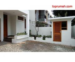 Rumah Disewakan New Modern and bright house in quiet area price USD 3000 @ Kemang