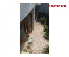 Rumah tingkat di sewakan di bcv Bandung timur